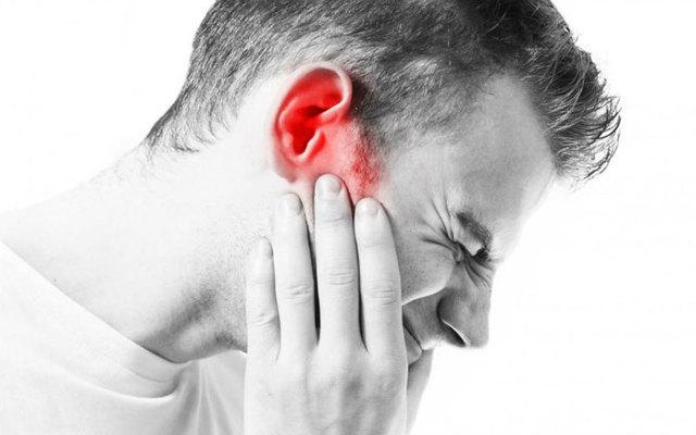 Что делать при обморожении уха: первая помощь, лечение, признаки, симптомы
