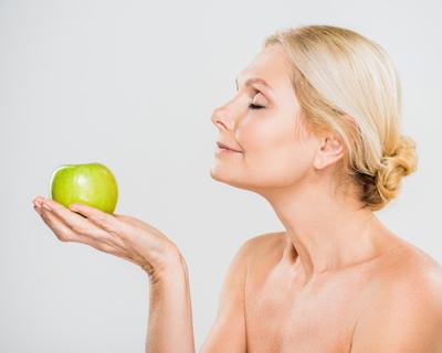 Эфирные масла для омоложения лица: популярные продукты, цена, отзывы, использование