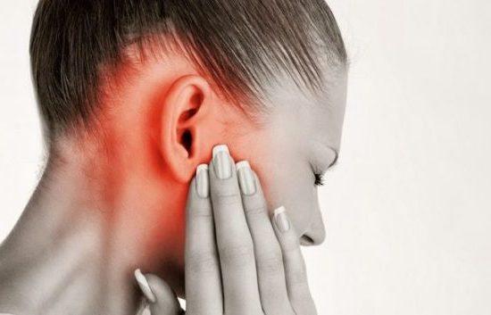 Чем закапать если болит и заложило ухо в домашних условиях