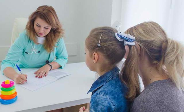 Черный налет на языке у взрослых, у ребенка: причины, лечение, фото