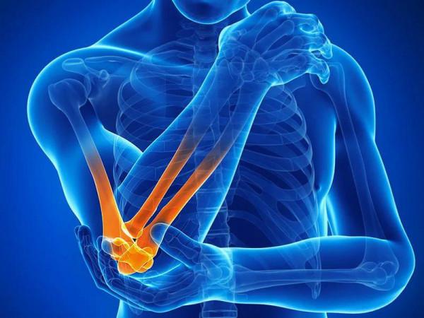 Упражнения для рук и локтевого сустава: эффективные ЛФК после перелома, при вывихе, для укрепления мышц