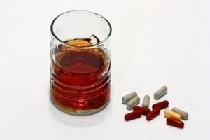 Совместимость Кавинтон Форте с алкоголем: механизм действия, последствия, отзывы