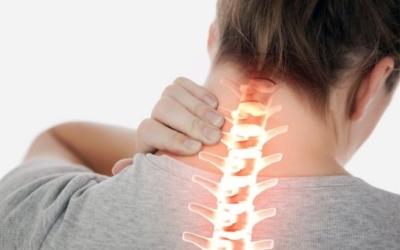 Хронический шейный, грудной, поясничный остеохондроз позвоночника: симптомы, лечение