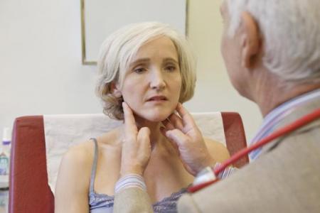 Что делать, если воспалились околоушные лимфоузлы: причины и диагностика