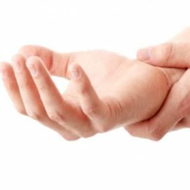 Хронический крепитирующий синовит кисти руки и большого пальца: код по МКБ-10, симптомы, лечение запястья