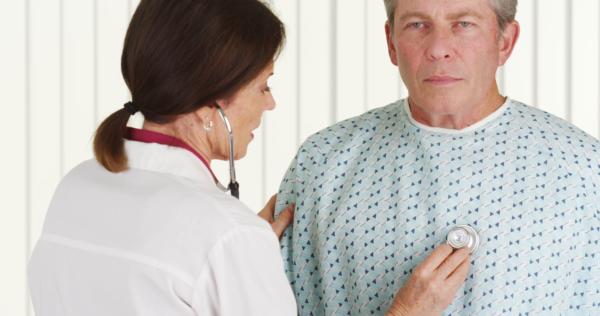 Центральный рак легкого: первые симптомы, стадии, прогноз и лечение онкологии бронхов