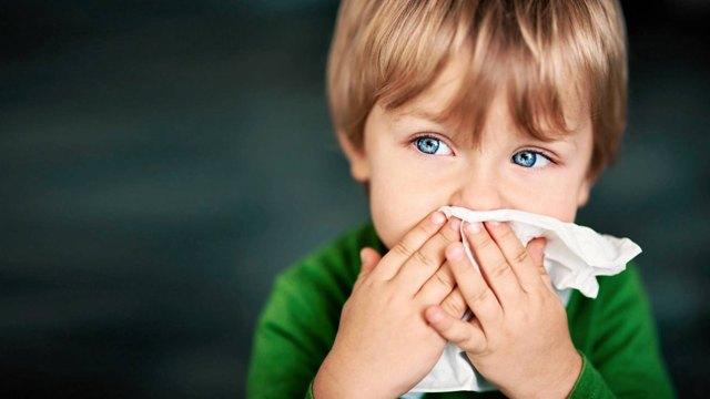 Фурункул в носу: лечение в домашних условиях, фото, МКБ-10, осложнения