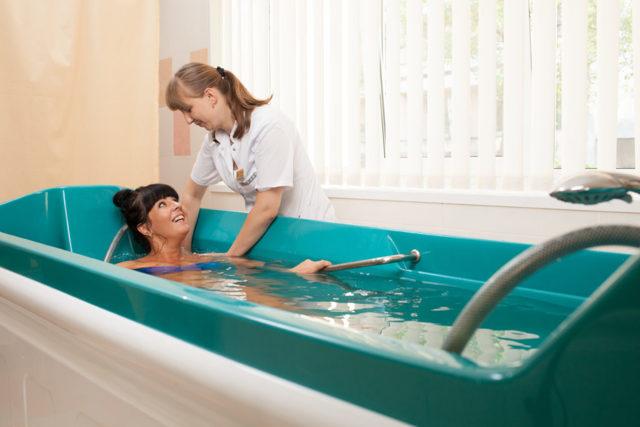 Хвойные ванны: показания и противопоказания, уход после проведения, цена, отзывы