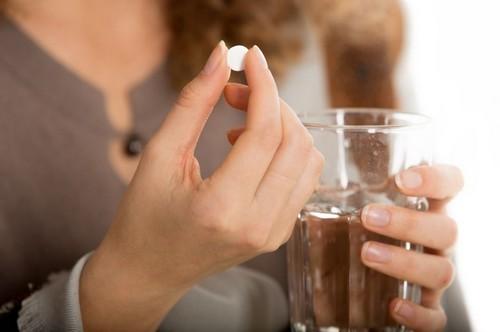 Таблетки Гинестрил для лечения моимы матки и прерывания беременности: инструкция, побочные эффекты, отзывы