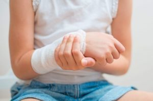 Тендинит запястья: МКБ-10, симптомы и лечение разгибателей сухожилия кисти и большого пальца руки, фото