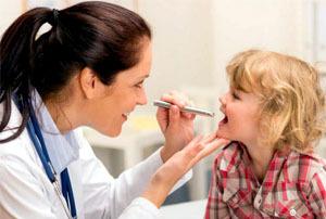 Чем лечить красное горло у годовалого ребенка с кашлем, герпесом, насморком