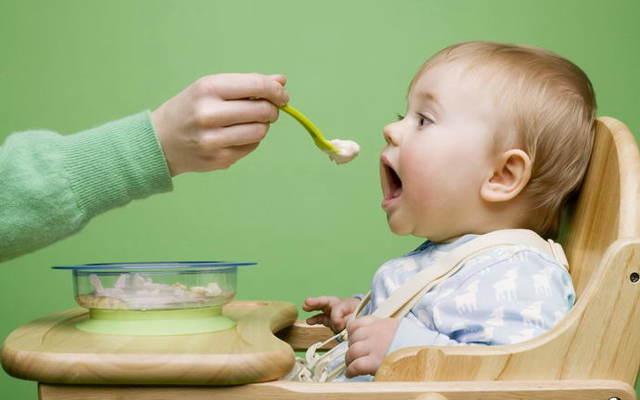 Частая икота у новорожденных после кормления: причины, как остановить