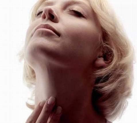 Сухость и першение в горле и носу, кашель: причины, лечение, народные средства