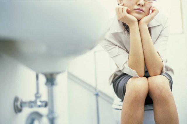 Стрессовое недержание мочи у мужчин и женщин: причины, проявления, диагностика, лечение